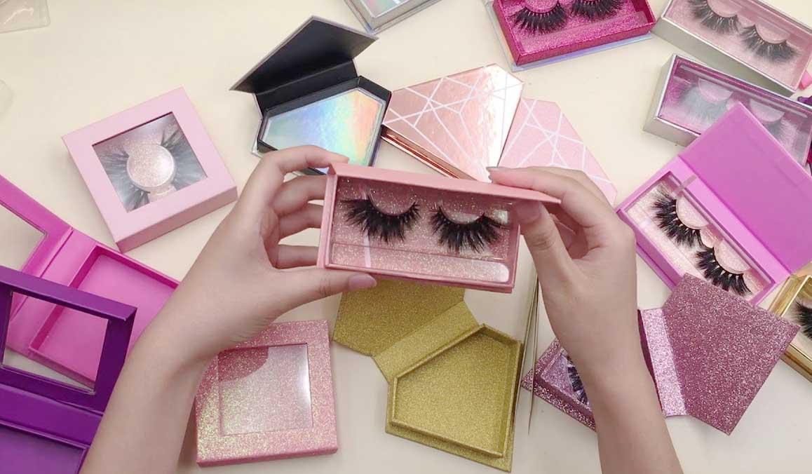 Breath taking eyelashes packaging