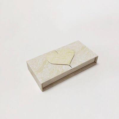 Starseed top open heart shape eyelashes box
