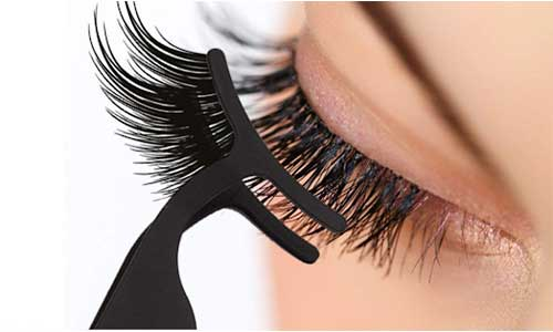 Magnetic-eyelash-application