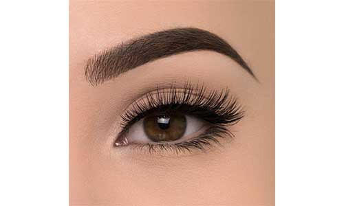 Natural-extensions-with-Eyelash-Extensions